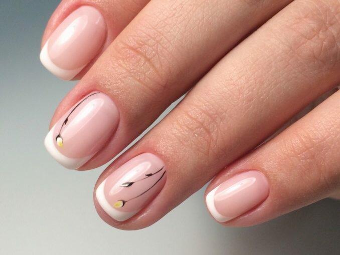 Интересные идеи маникюра на короткие ногти 14