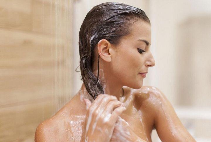 Как правильно мыть волосы, чтобы они дольше оставались чистыми 2