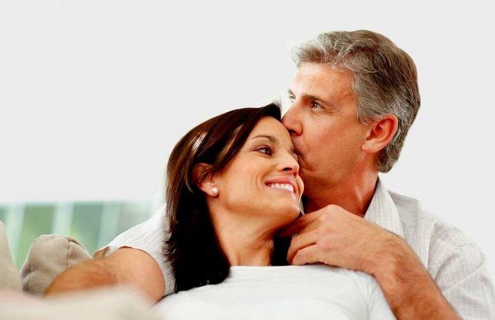 Как увлечь мужчину намного старше вас 2