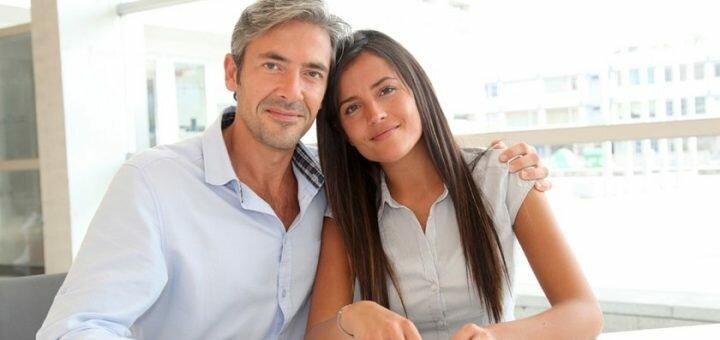 Как увлечь мужчину намного старше вас 5