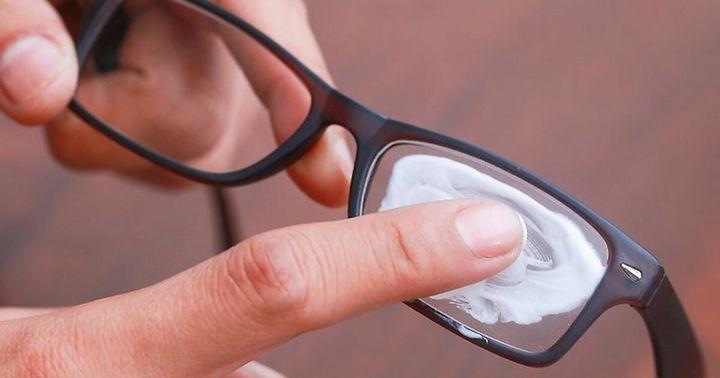 Как вывести царапины с линз на очках 2