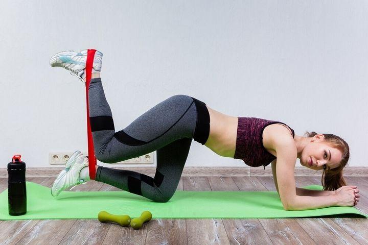 Комплекс упражнений с фитнес-резинкой 1