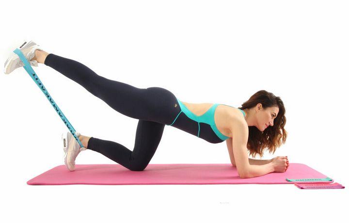 Комплекс упражнений с фитнес-резинкой 2