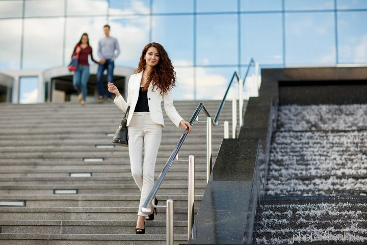 Одеваемся в офис: современные решения для бизнес-леди 1