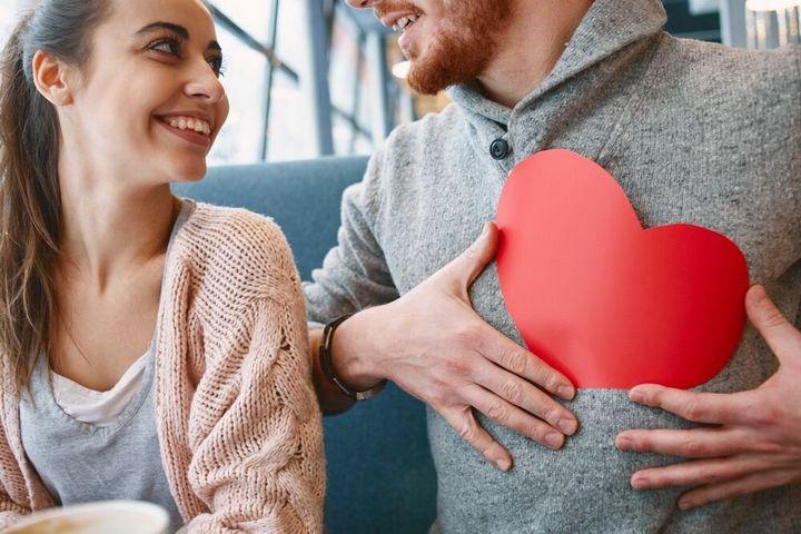 Основные признаки влюбленного мужчины 3