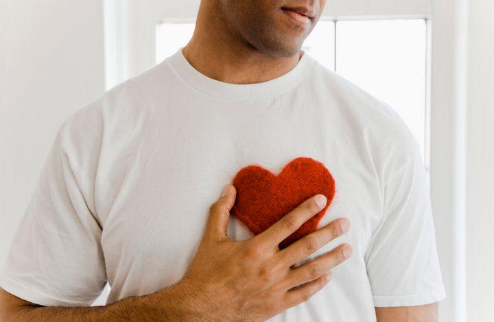 Основные признаки влюбленного мужчины 5