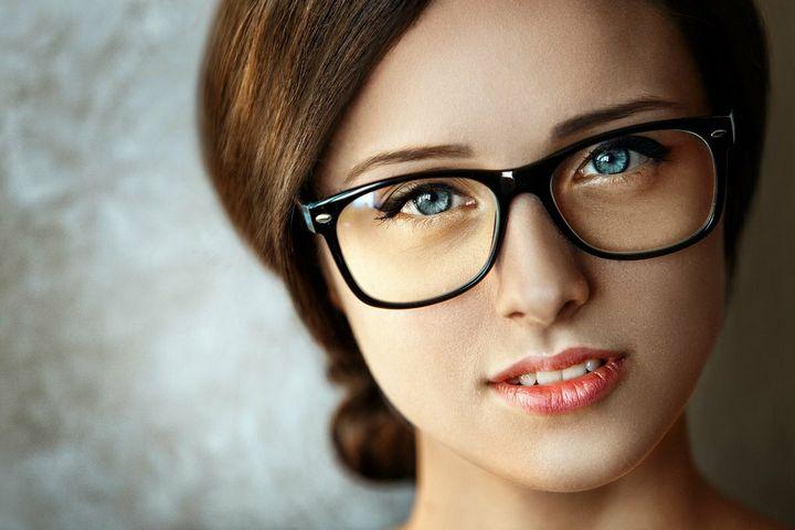 Привлекательны ли девушки в очках 4