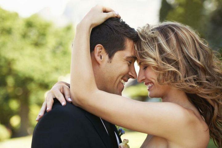 Признаки того, что женщина любит своего избранника 1