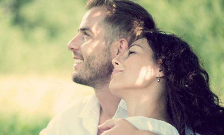 Признаки того, что женщина любит своего избранника 3