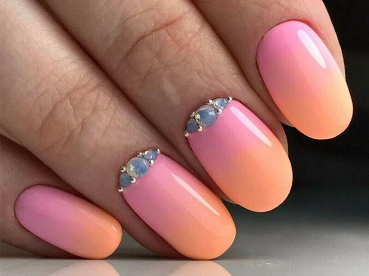 Сочные летние краски в ногтевом дизайне 1