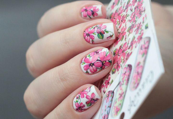 Сочные летние краски в ногтевом дизайне 17