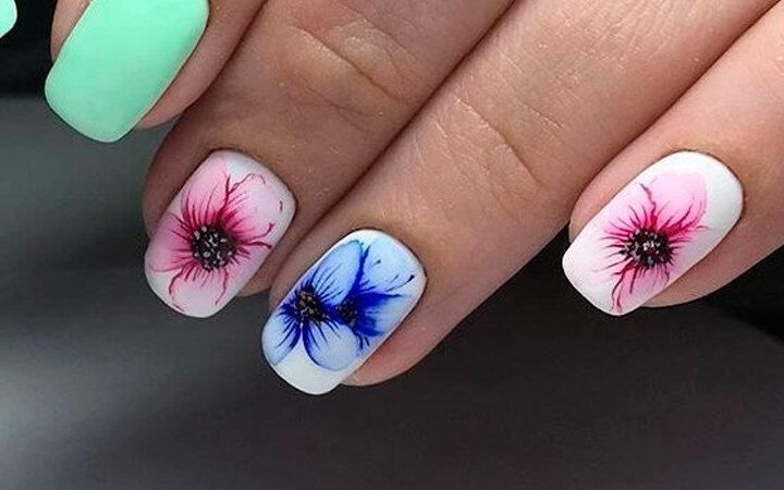 Сочные летние краски в ногтевом дизайне 19
