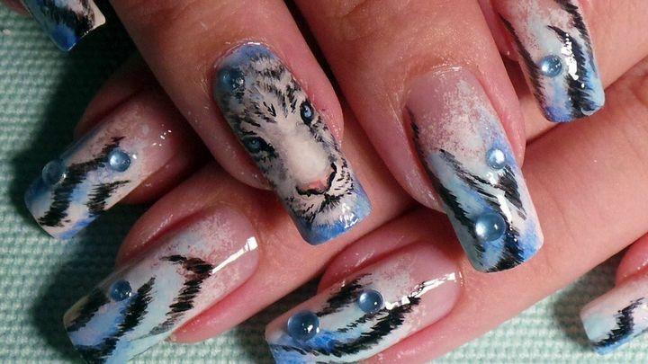 Сочные летние краски в ногтевом дизайне 24