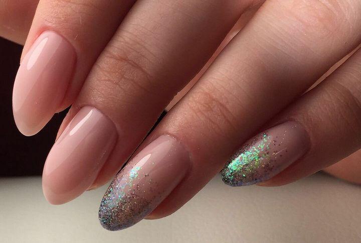 Сочные летние краски в ногтевом дизайне 42