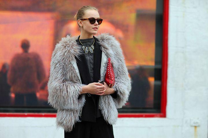 Зима уже близко: обзор модных шубок 2019-2020 1